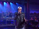 """J. Cole Performs """"Crooked Smile"""" Live On David Letterman"""