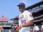 50 Cent Throws Out Terrible First Pitch At Mets Game