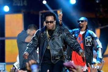 Busta Rhymes Suffers Minor Head Injury After Falling Off Stage