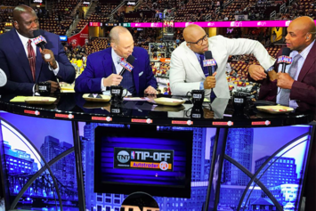 Watch This Hilarious Argument Between Shaq & Charles Barkley Gets Heated & Personal