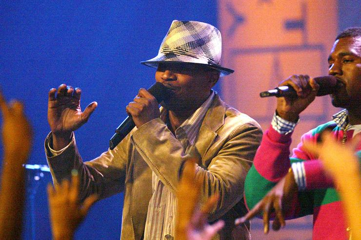 Kanye West & Jamie Foxx performing together in 2004