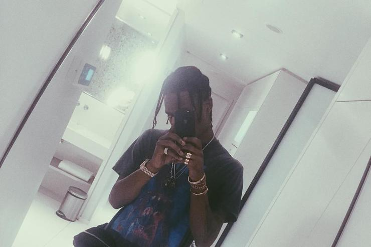 Travis Scott taking a selfie