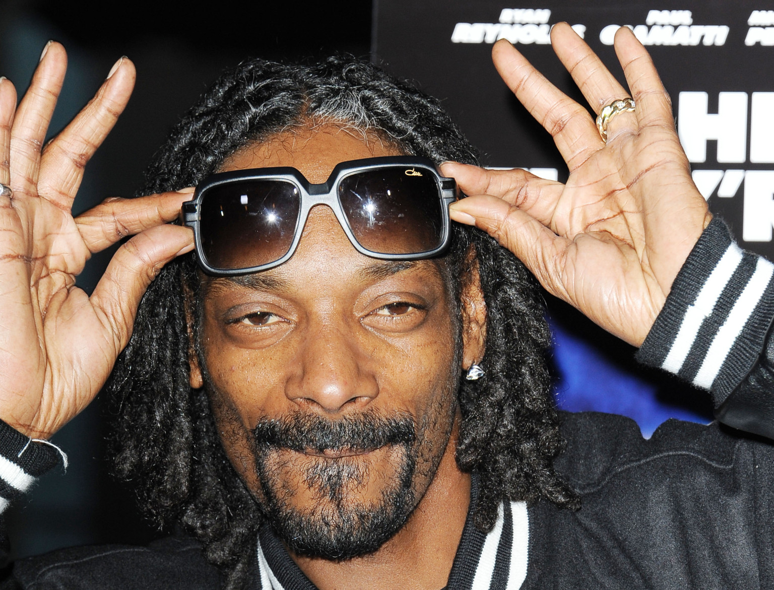 SNOOP DOGG CLAIMS TOP SPOT ON BILLBOARD R&B / HIP-HOP ALBUM CHARTS